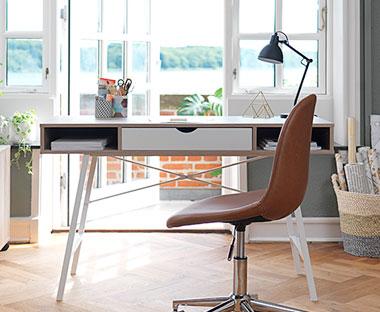 Seriøst Skrivebord og Databord - Se vårt store utvalg   JYSK JH-19